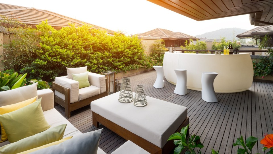outdoor bar on a fully furnished outdoor deck 1 at Rockingham Patios